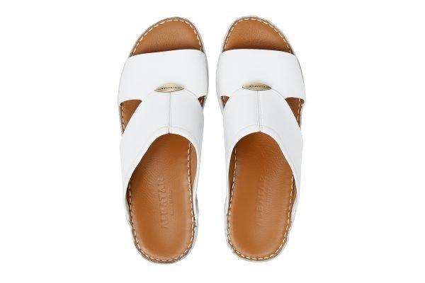 abu dhabi upper class white top